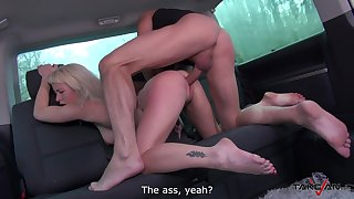 Giggling big-busted blonde floozy Licky is profoundly banged right in the car