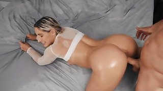 Obese booty blonde loves doggy style position
