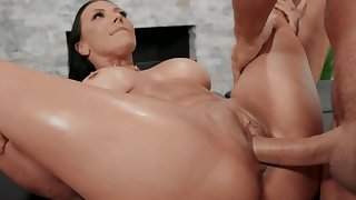 Chuck-full cougar with big tits drilled on massage table