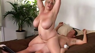 Chubby mature woman filmed riding dick like a whore