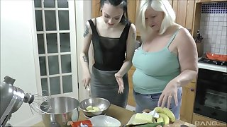 Skinny hottie gets licked hard by a chubby mature - Lacey Starr & Alessa Savage