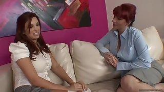 Kylie Ireland Seduces Sabrina Maree