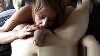 Chin Fucking Master Gives Overs Everywhere Her Slave Asslick
