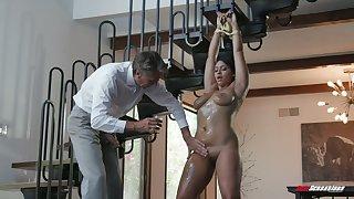Mr Big Latina sexpot Emori Pleezer enjoys nothing but riding dick