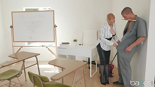 MILF craves for the janitor's elephantine dick almost ruin her butt hole